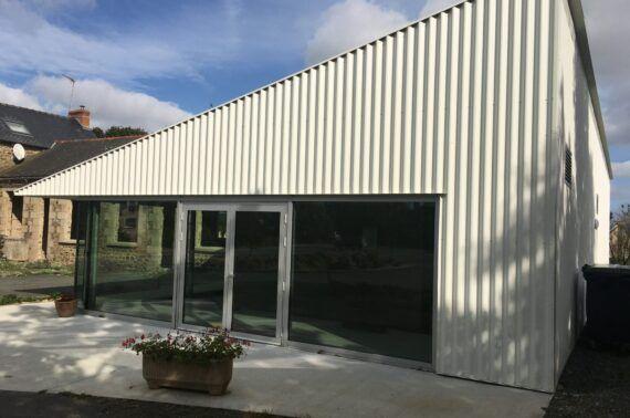 Rénovation de l'ancienne école pour l'aménagement d'une nouvelle salle associative citoyenne